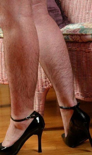 Фото девушек с волосатыми ногами